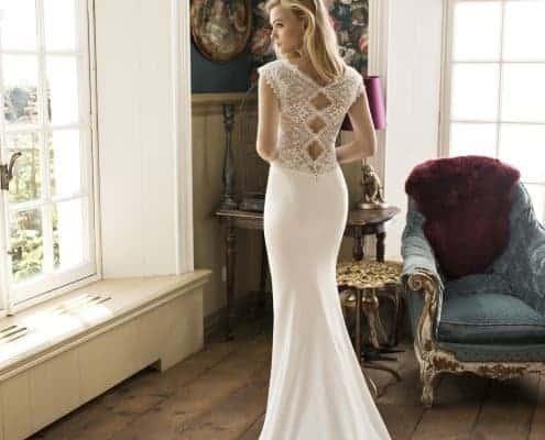Con el vestido Dayton de Si Quiero Bilbao, de corte sirena, irás elegante y con un modelo original gracias al detallado encaje de la espalda