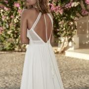 Turckheim vestido de novia con cintura ceñida y tirantes cruzados en la espalda de Si Quiero Bilbao